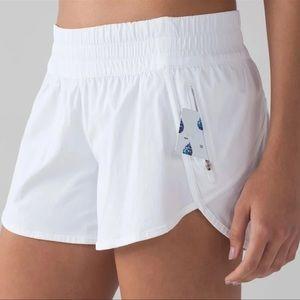 Lululemon White Tracker Gym Shorts 12 Large